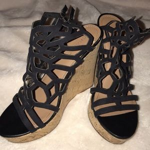 🖤🖤strappy wedges🖤🖤